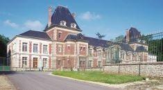 Le château des Gueules Cassées et l'Eglise Saint-Martin